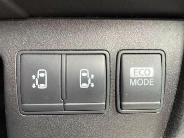両側電動スライドドア 人気の装備!ボタンやワンタッチでドアの開閉ができ便利です!
