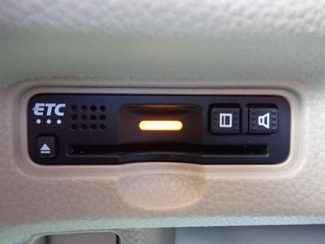 G・Lホンダセンシング 純正メモリーナビ フルセグTV DVD再生 Bluetooth対応 リヤカメラ ETC 左側パワースライドドア LEDヘッドライト オートライト スマートキー(7枚目)