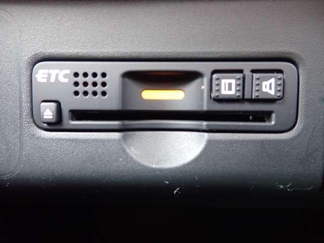 G・Lパッケージ 純正メモリーナビ フルセグTV DVD再生 Bluetooth対応 リヤカメラ ETC 左側パワースライドドア スマートキー HIDヘッドライト オートライト ベンチシート オートエアコン(5枚目)