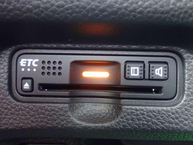 G・Lホンダセンシング オーディオレス リヤカメラ付き ETC LEDヘッドライト オートライト 左側パワースライドドア スマートキー ベンチシート オートリトラ オートエアコン 追突軽減ブレーキ アルミホイール(4枚目)