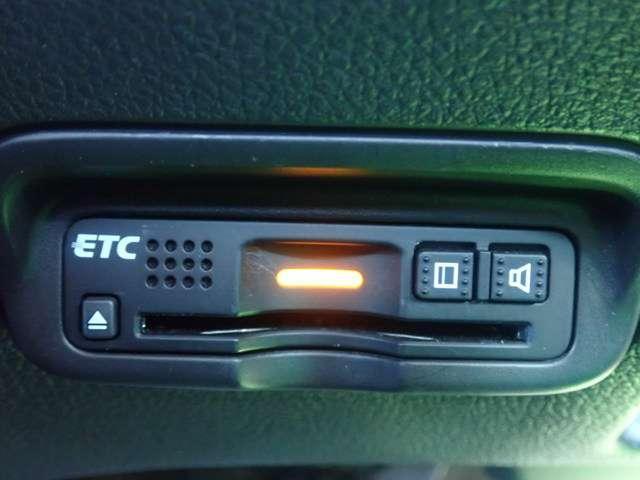 RS・ホンダセンシング 純正メモリーナビ フルセグTV DVD再生 Bluetooth対応 リヤカメラ ETC LEDヘッドライト オートライト スマートキー シートヒーター アルミホイール(6枚目)