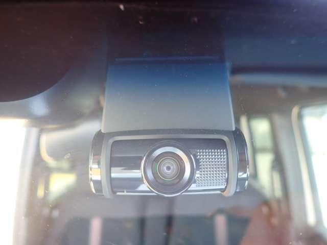 G・Lホンダセンシング 純正メモリーナビ フルセグTV DVD再生 Bluetooth対応 リヤカメラ ETC LEDヘッドライト オートライト 左側パワースライドドア スマートキー ベンチシート アルミホイール(5枚目)