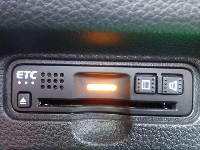 G・Lホンダセンシング 純正メモリーナビ フルセグTV DVD再生 Bluetooth対応 リヤカメラ ETC LEDヘッドライト オートライト 左側パワースライドドア スマートキー ベンチシート アルミホイール(6枚目)