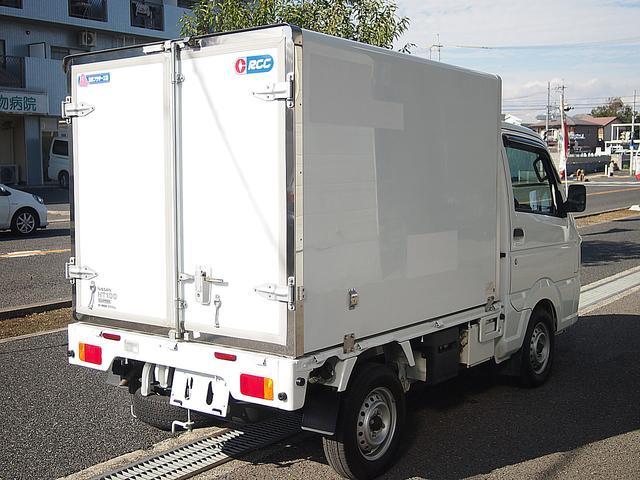 冷蔵冷凍車 -30°C設定 AT車 バックモニター付き(9枚目)