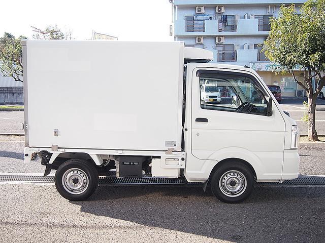 冷蔵冷凍車 -30°C設定 AT車 バックモニター付き(10枚目)