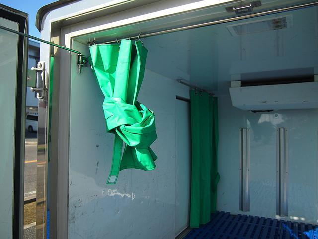 冷蔵冷凍車 -30°C設定 AT車 バックモニター付き(15枚目)