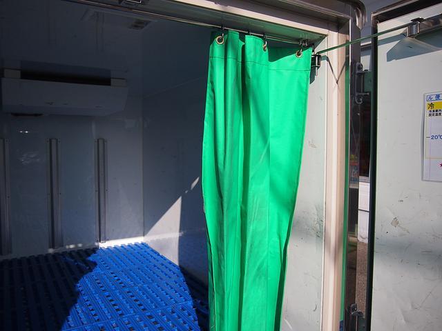 冷蔵冷凍車 -30°C設定 AT車 バックモニター付き(16枚目)