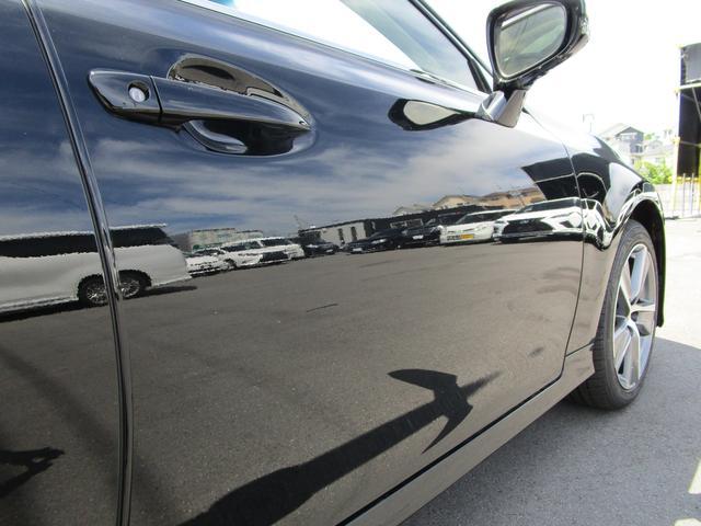 GS300h Iパッケージ ・サンルーフ・Fスポーツ仕様グリル・ワンオーナー・純正18インチアルミホイール・前後ドライブレコーダー・プリクラッシュセーフティ・シートヒーター&エアコン・黒革シート・サンシェード・パワーシート・(43枚目)