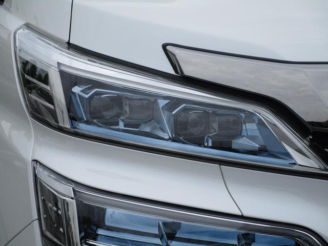 ZR ・後席モニター・レザーシート・純正9インチナビ・シートヒータ&エアコン・LEDヘッドライト・プリクラッシュ・クリアランスソナー・100V電源・純正17インチアルミホイール・両側パワースライドドア・(17枚目)