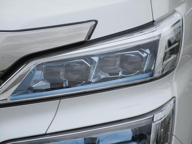 ZR ・後席モニター・レザーシート・純正9インチナビ・シートヒータ&エアコン・LEDヘッドライト・プリクラッシュ・クリアランスソナー・100V電源・純正17インチアルミホイール・両側パワースライドドア・(29枚目)