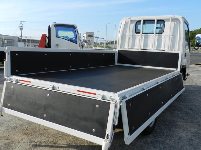 平トラック 積載1.5t アイドリングストップ 総重量5t未 左電動格納ミラー(20枚目)