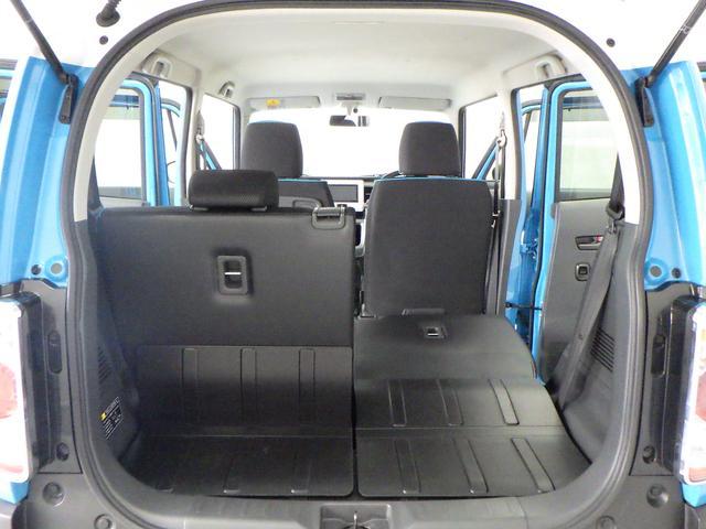 左右片側ずつ背もたれを倒せます。乗車人数や荷物量に合わせたアレンジが可能です。