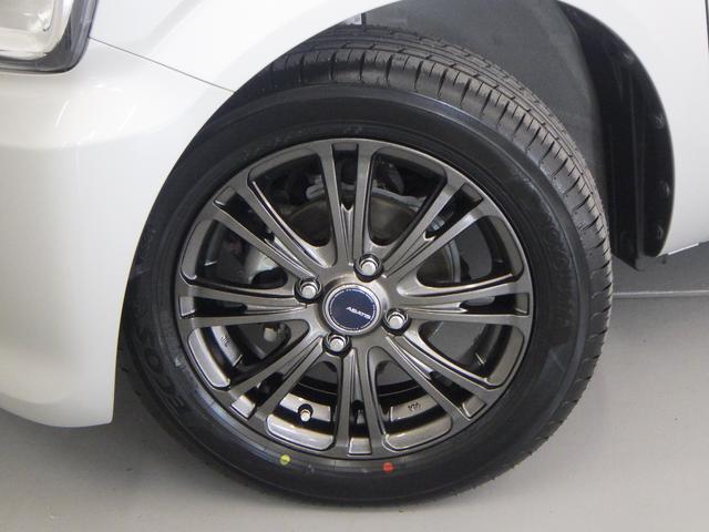 かっこいい社外品アルミホイールが足元を引き締めます。新品のタイヤを装着済み!!