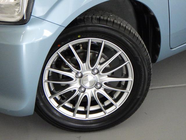 かっこいい社外品アルミホイールが 足元を引き締めます。タイヤは、新品です♪
