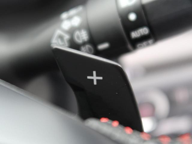 ステアリングから手を離さずにマニュアルライクなギア操作ができる、【スポーツパドルシフト】も設定されています。