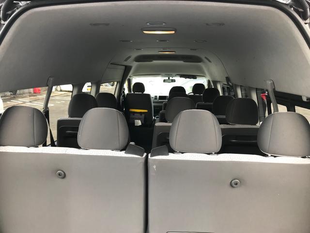スーパーロングGLターボ パワースライドドア バックカメラ ビルドインETC SDフルセグナビ 14人乗り 禁煙車 ワンオーナー フルフラット ディーゼルエンジン タコメーター LEDヘッドランプ 100V電源 スマートキー(35枚目)
