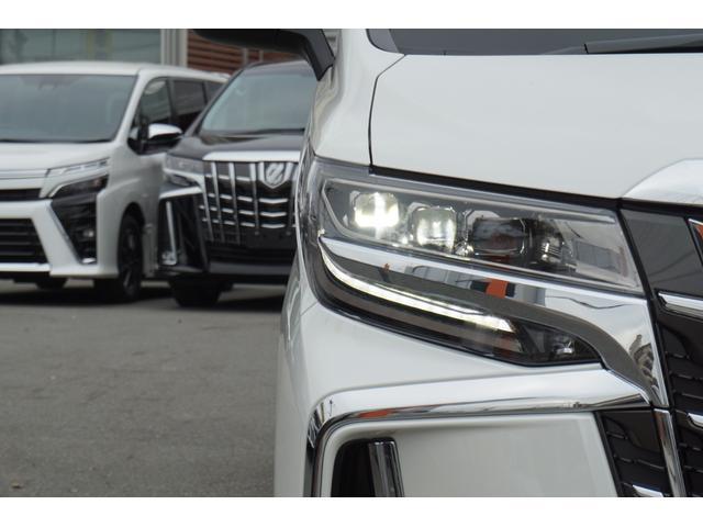 2.5S Cパッケージ 新車・ディスプレイオーディオ・三眼LEDヘッド・電動リアゲート・18AW・デジタルミラー・ムーンルーフ・トヨタセーフティセンス・ソナー・シートメモリー・シートヒーター(12枚目)