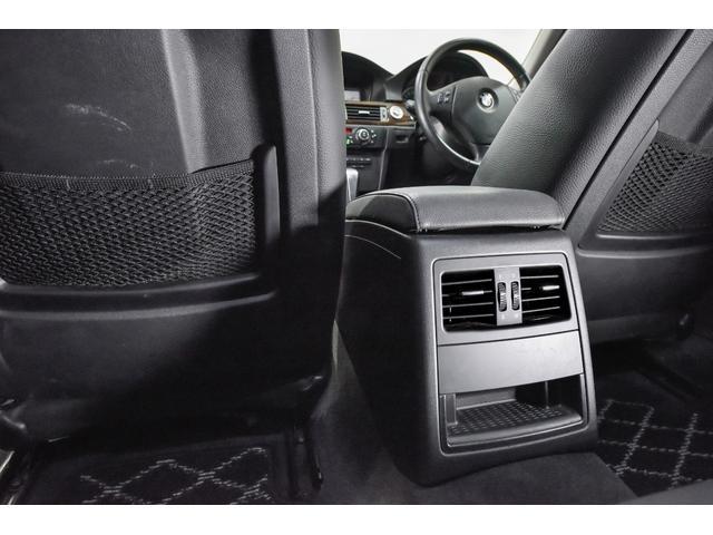 320iツーリング ハイラインパッケージ 正規輸入車 純正HDDナビ/黒革シート/19インチアルミホイール/キセノンヘッドライト/ETC(23枚目)