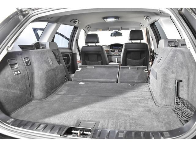 320iツーリング ハイラインパッケージ 正規輸入車 純正HDDナビ/黒革シート/19インチアルミホイール/キセノンヘッドライト/ETC(24枚目)