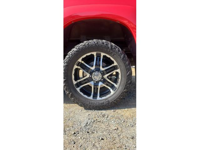 SR5 陸送費キャンペーン 新車並行 ETC ルーフレール 4WD バックモニター サイドモニター フロントカメラ 赤色 純正タイヤ積み込み 2インチリフトアップ キーレス(10枚目)