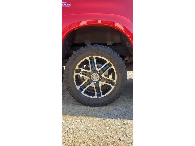 SR5 陸送費キャンペーン 新車並行 ETC ルーフレール 4WD バックモニター サイドモニター フロントカメラ 赤色 純正タイヤ積み込み 2インチリフトアップ キーレス(13枚目)