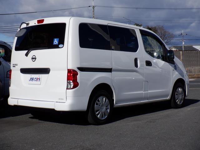 1.6チェアキャブ車いす1名 3列有 福祉車両 スロープタイプ リヤクーラー バックモニター キーレス ワンオーナー 記録簿(8枚目)