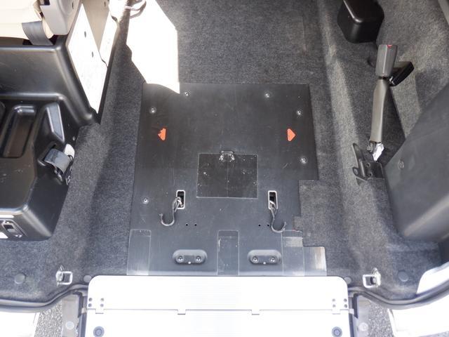 1.6チェアキャブ車いす1名 3列有 福祉車輌 ワンオーナー リヤクーラー バックカメラ ステップランプLED 車いす用手すり 乗降用手すり シートバッググリップ キーレス 点検記録簿 Wエアバッグ(25枚目)