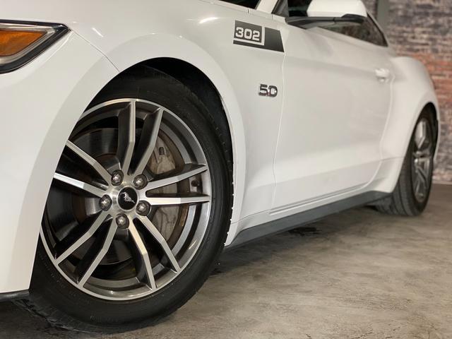 V8 GT プレミアム 新車並行・ブラックフルレザーシート・シートヒーター&クーラー・クルーズコントロール・純正18AW・バックモニター・Bluetooth・エンジンスターター付きキーレス・HID・パドルシフト・禁煙・修復無(6枚目)