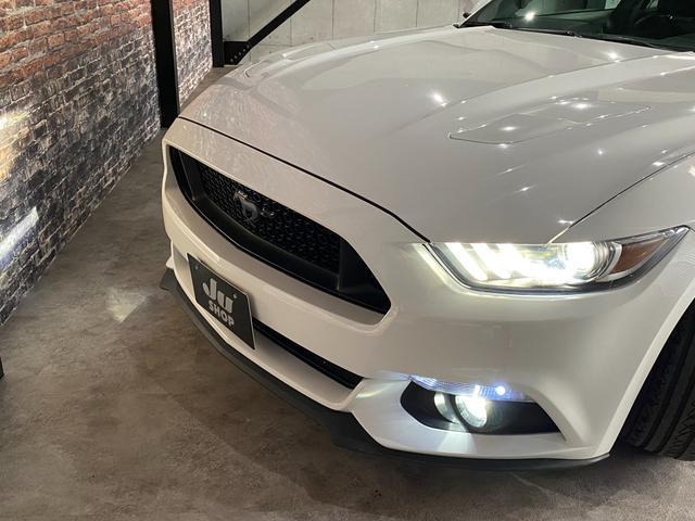 V8 GT プレミアム 新車並行・ブラックフルレザーシート・シートヒーター&クーラー・クルーズコントロール・純正18AW・バックモニター・Bluetooth・エンジンスターター付きキーレス・HID・パドルシフト・禁煙・修復無(31枚目)