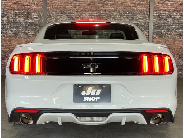 V8 GT プレミアム 新車並行・ブラックフルレザーシート・シートヒーター&クーラー・クルーズコントロール・純正18AW・バックモニター・Bluetooth・エンジンスターター付きキーレス・HID・パドルシフト・禁煙・修復無(36枚目)