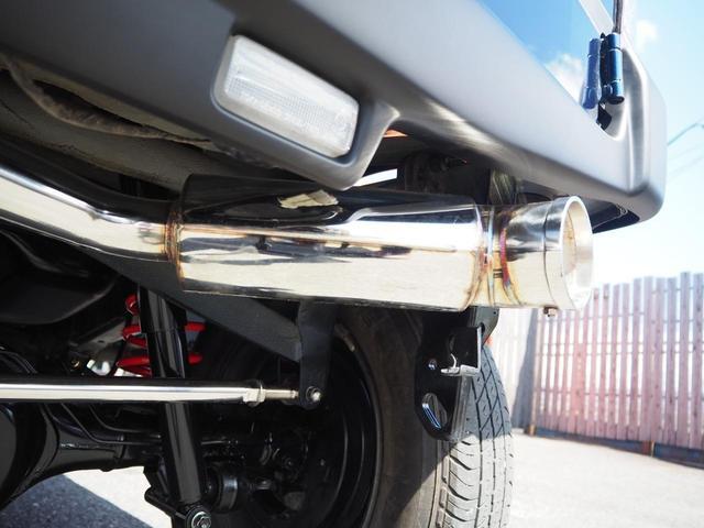 XG 新品2.5インチリフトアップ/ラテラルロッド/延長ブレーキホース/スタビ延長ブロック/LEDテール/マフラー/フロントグリル/スキッドプレート/牽引フック/革調シートカバー 艶消ブラック前後バンパー(39枚目)
