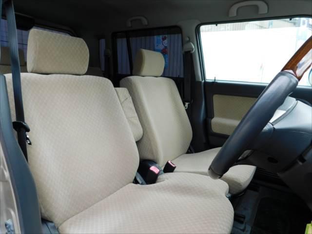 シート、内張などの車内装備も綺麗に保たれています♪