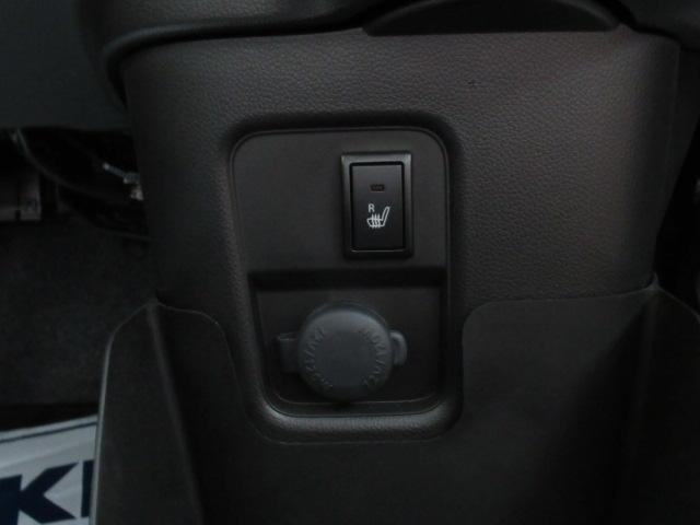 運転席シートヒーター・シガーソケット付き!冬でも快適です。