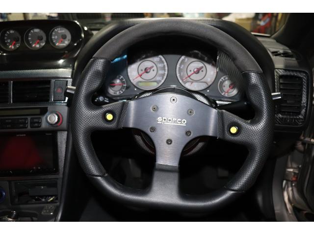 スパルコのレーシングハンドルです。