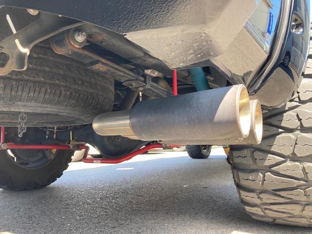 クルーマックス TRDロックウォーリアPKG 新車並行 CARFAX&オートチェック リフトアップ KMCアルミ マッドタイヤ Smittybiltフロント・リアバンパー・サイドステップ ブッシュワーカー オバフェン(13枚目)