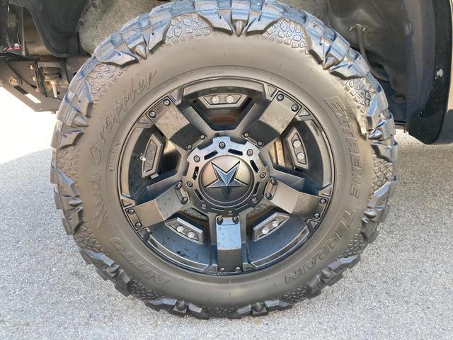 クルーマックス TRDロックウォーリアPKG 新車並行 CARFAX&オートチェック リフトアップ KMCアルミ マッドタイヤ Smittybiltフロント・リアバンパー・サイドステップ ブッシュワーカー オバフェン(16枚目)