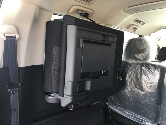 三菱 デリカD:5 D パワーパッケージ ディーゼル 4WD 両側パワースライド