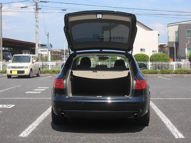 「アウディ」「A4」「ステーションワゴン」「滋賀県」の中古車23
