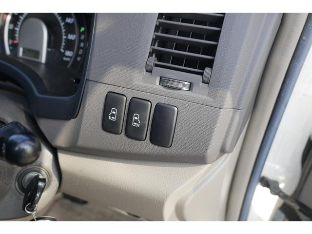 プラタナ プラタナ Gエディション禁煙車純正HDDナビ CD/DVD バックカメラ 純正16インチアルミ 両側電動スライドドア ETC HIDヘッドライト キーレススマートロックオートエアコン3列シート7人乗り(4枚目)
