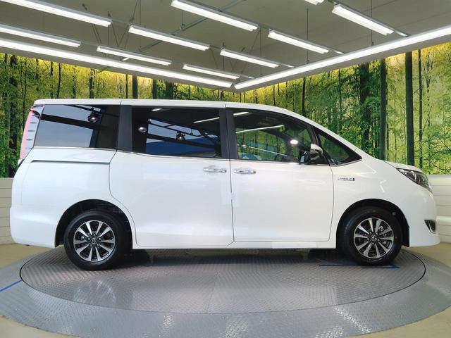 トヨタ エスクァイア ハイブリッドGi プレミアムパッケージ 新車未登録