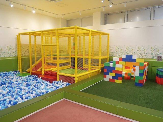 大型の遊具がある、キッズスペースも完備しております。お子様連れのお客様には大変喜んで頂いております♪