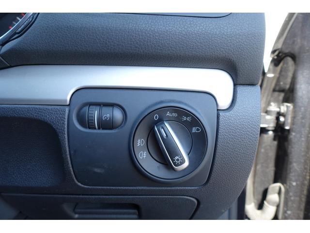 TSIコンフォートラインプレミアムエディション 社外ナビ フルセグTV キーレス2本 オートエアコン HIDライト オートライト(14枚目)