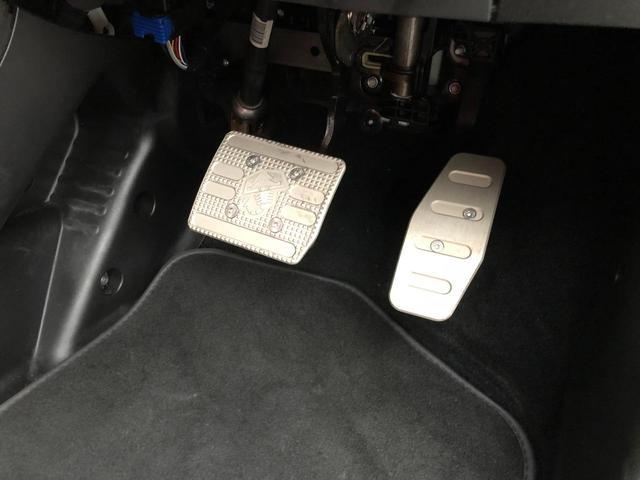 ツーリズモ メーカー保証付き 本革シート HID 禁煙車(13枚目)