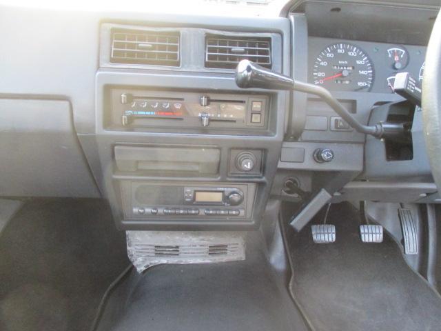 日産 ダットサントラック 2.7ディーゼルベンチコラム