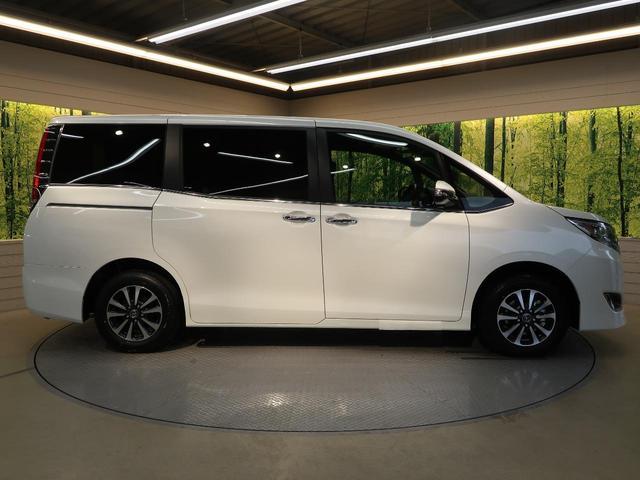 トヨタ エスクァイア Gi 新車未登録 セーフティセンス 両側電動ドア