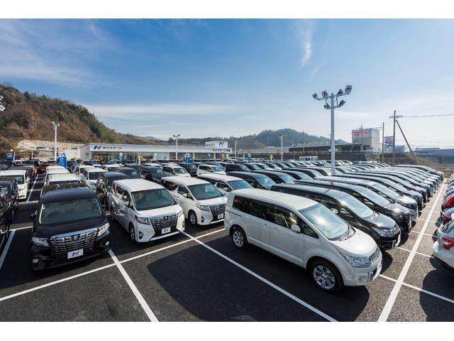 広大な敷地に常時300台の展示数は地域最大級!!軽自動車・コンパクト・SUVやミニバンまでオールメーカーでご準備。お気に入りの1台がきっと見つかります♪