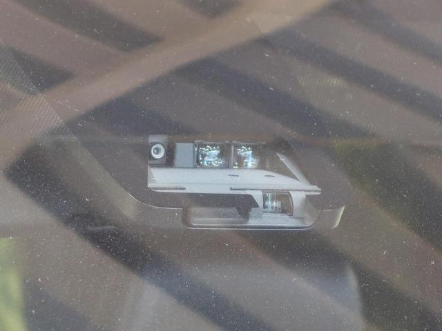 ZS 煌III 登録済未使用車 特別仕様車 ハーフレザーシート セーフティセンス 両側パワスラ クルーズコントロール 車線逸脱警報 LEDヘッド LEDフォグ オートハイビーム 純正エアロ 純正アルミ スマートキー(3枚目)