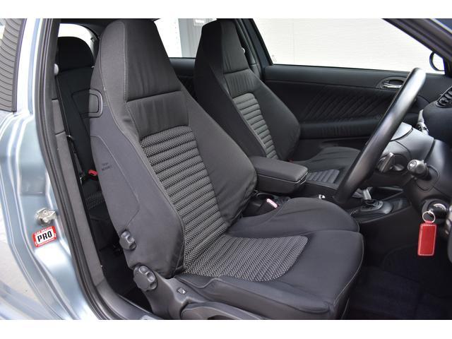 フロントシートも目立つ汚れは御座いません。