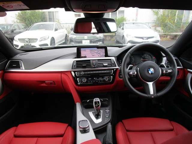 BMWらしいスタイリッシュなデザインのインテリア!