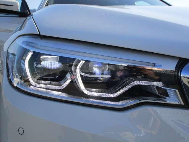 LEDヘッドライトは明るく夜道を照らします!